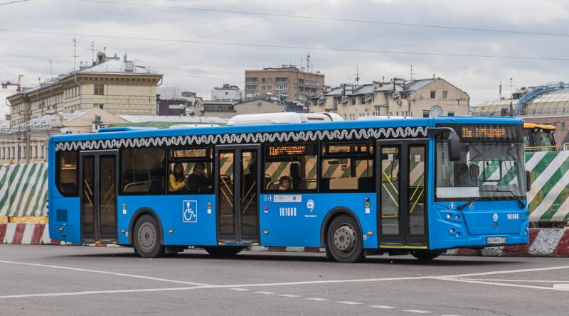 Стало известно, сколько автобусов поступит в Астрахань из Москвы