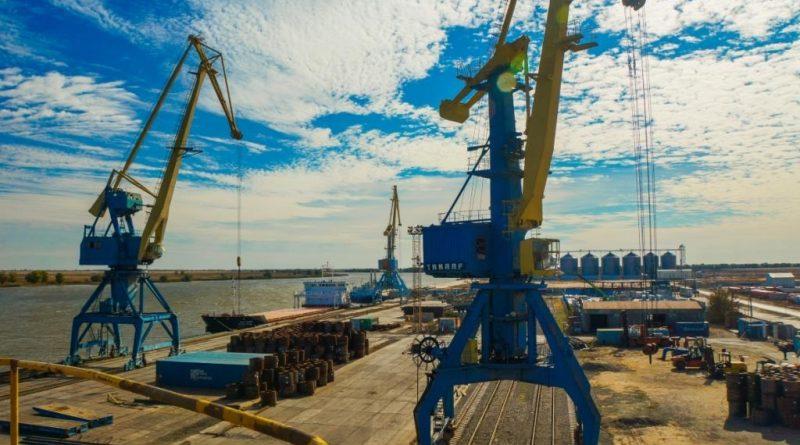 Астраханский порт Оля может недосчитаться около миллиарда рублей