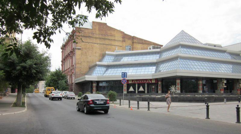 Летом в Астрахани откроется заброшенный центр «Ацтека»