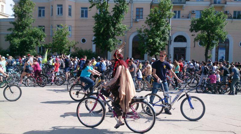 В астраханском велопараде приняли участие свыше 3 тысяч человек