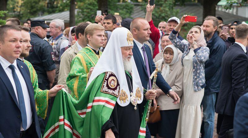 Игорь Бабушкин посетил литургию патриарха Кирилла в Троице-Сергиевой лавре