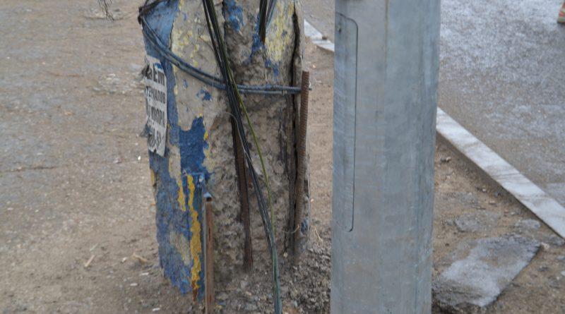 В Астрахани выявили большое количество опасных столбов