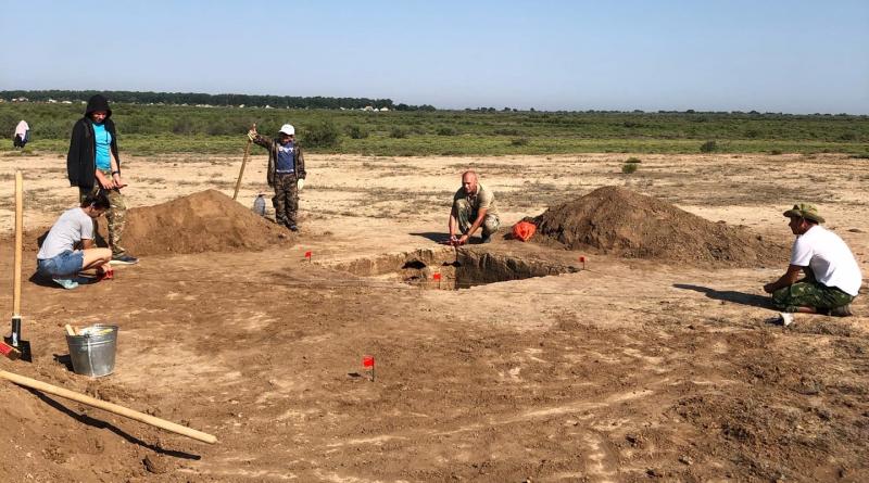 Астраханские археологи поделились кадрами первых находок