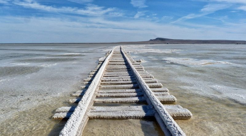 Астраханский Баскунчак вошел в число самых красивых озер России