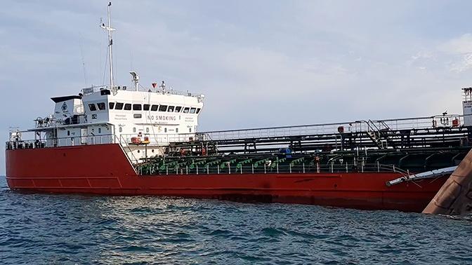 В Азовском море ищут моряка-астраханца со взорвавшегося танкера